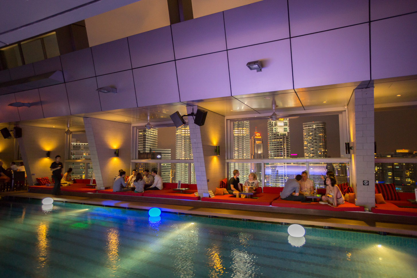 Skybar in het Traders Hotel